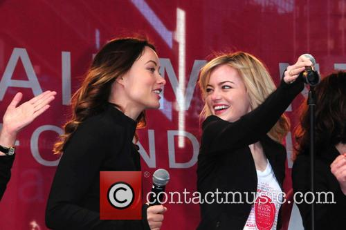 Olivia Wilde and Emma Stone 6