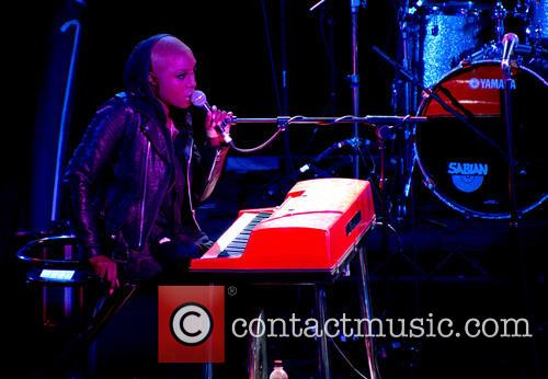 laura mvula live at leeds 2013 3648126