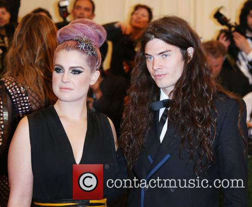 Kelly Osbourne and Matthew Mosshart 11