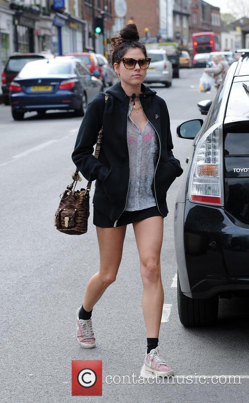 Eliza Doolittle seen shopping in a highgate Tesco Expres