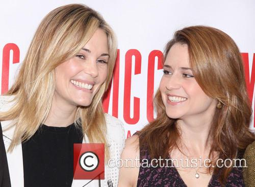 Leslie Bibb and Jenna Fischer 3