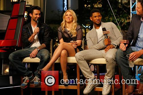 Adam Levine, Shakira, Usher and Blake Shelton 7