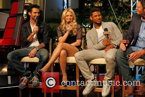 Adam Levine, Shakira, Usher and Blake Shelton 9
