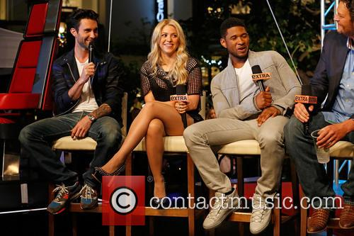 Adam Levine, Shakira, Usher and Blake Shelton 10