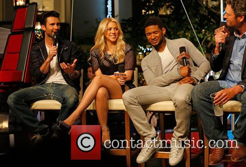 Adam Levine, Shakira, Usher and Blake Shelton 3