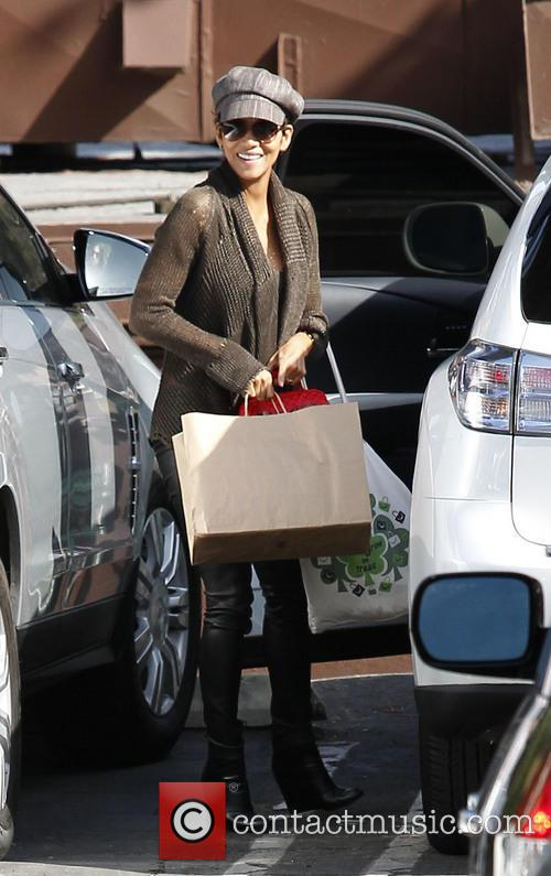 halle berry halle berry at daughters school 3652367