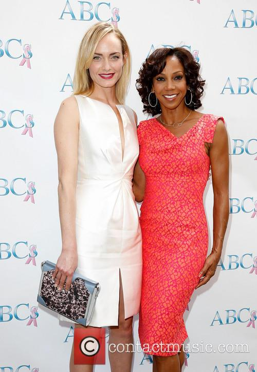 Amber Valletta and Holly Robinson Peete 6