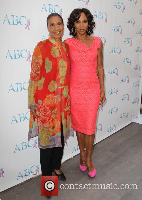 Dolores Robinson and Holly Robinson Peete 3