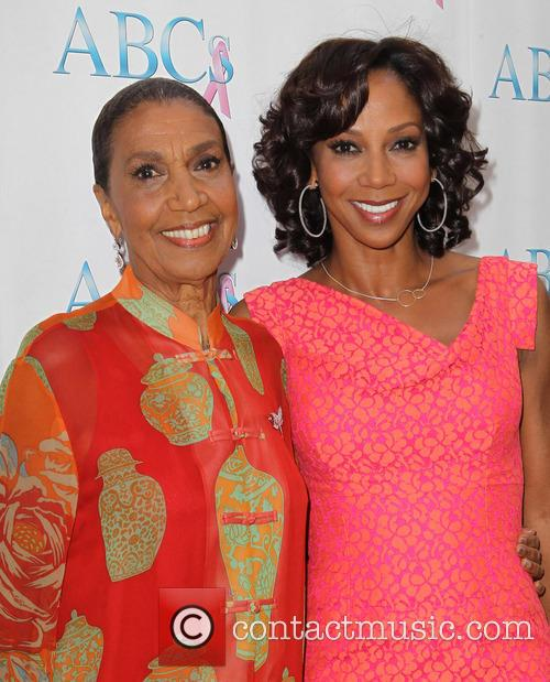 Dolores Robinson and Holly Robinson Peete 1