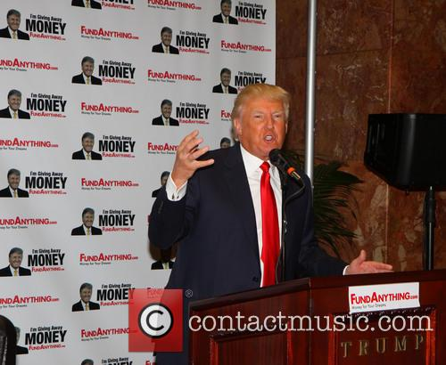 donald trump donald trump distributes free money 3652052