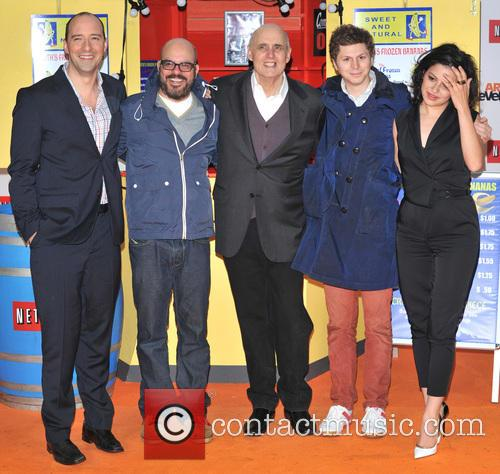 Tony Hale, David Cross, Jeffrey Tambour, Michael Cera and Alia Shawkat 5