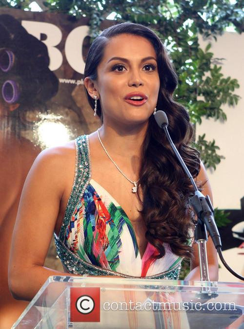 Raquel Pomplun 25