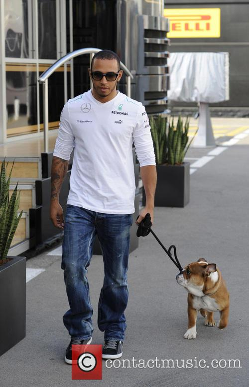 Lewis Hamilton takes his bulldog Roscoe on a...