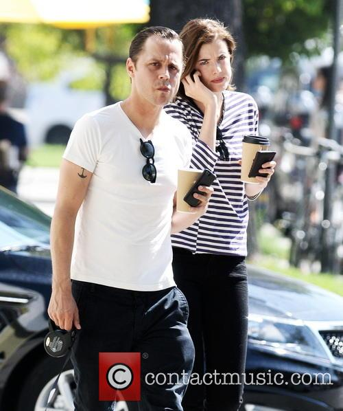 giovanni ribissi giovanni ribisi and his wife 3657180