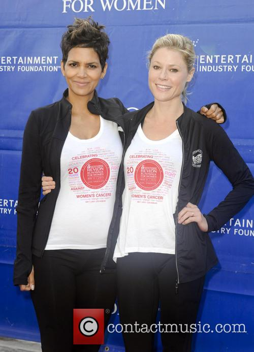 Halle Berry and Julie Bowen 3