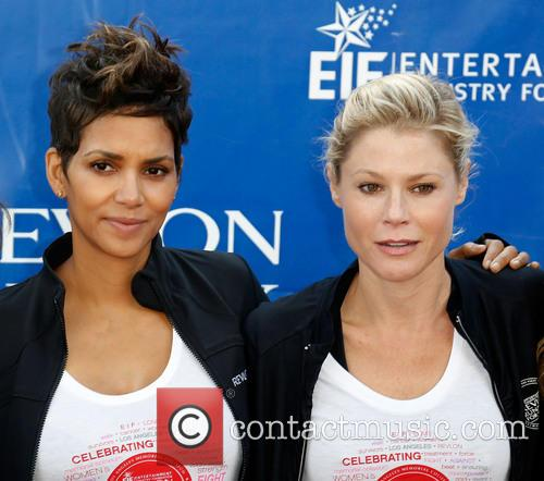 Halle Berry and Julie Bowen 11