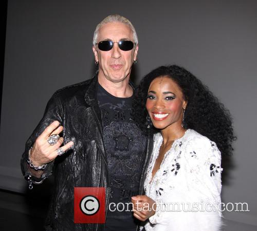 Dee Snider of Twisted Sister visits the cast...