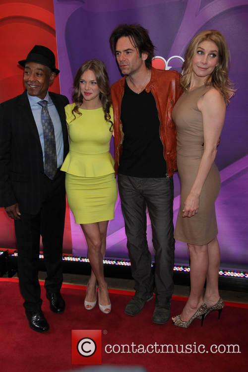 Giancarlo Esposito, Tracy Spiridakos, Billy Burke and Elizabeth Mitchell 3