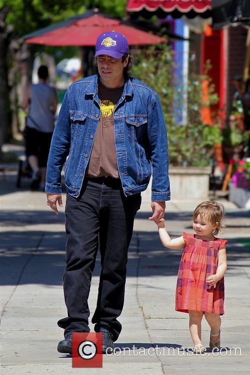 Benicio Del Toro and Delilah Del Toro 7