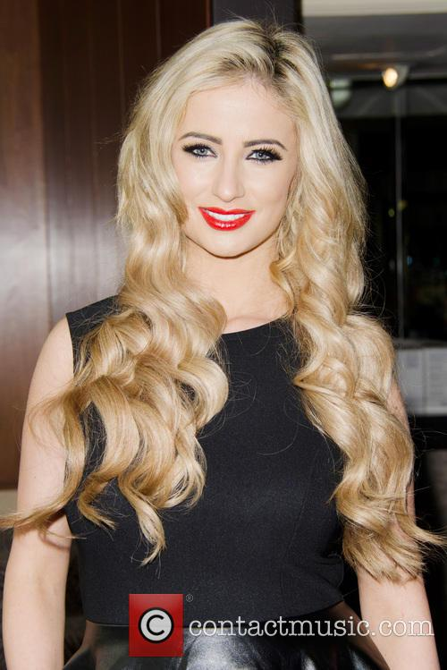 Chantelle Houghton launches her new dating website