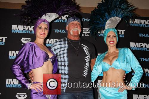 Hulk Hogan and Las Vegas Showgirls 4