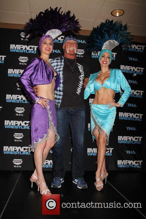 Hulk Hogan and Las Vegas Showgirls 11