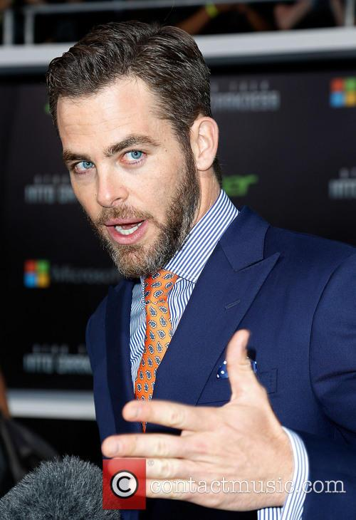 chris pine los angeles premiere of paramount 3663679