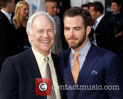 Robert Pine and Chris Pine 5