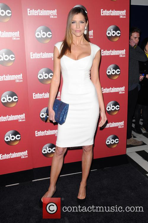 tricia helfer entertainment weekly and abc  3664294