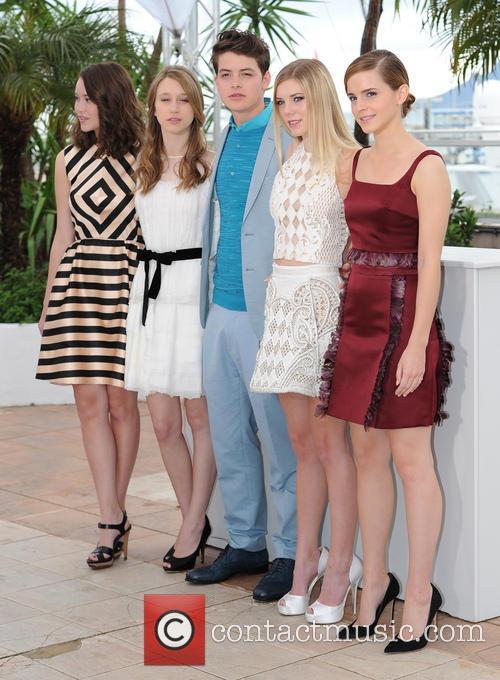 Katie Chang, Taissa Farmiga, Israel Broussard, Claire Julien and Emma Watson 4