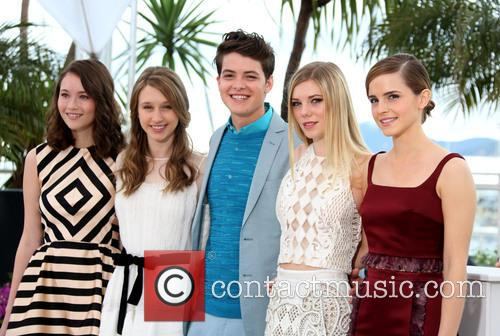 Katie Chang, Taissa Fariga, Israel Broussard, Claire Julien and Emma Watson 6