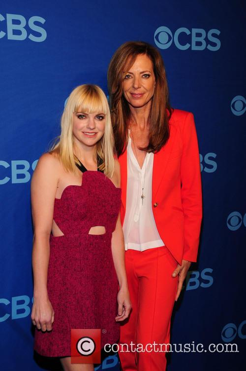 Anna Faris and Alison Janney 1