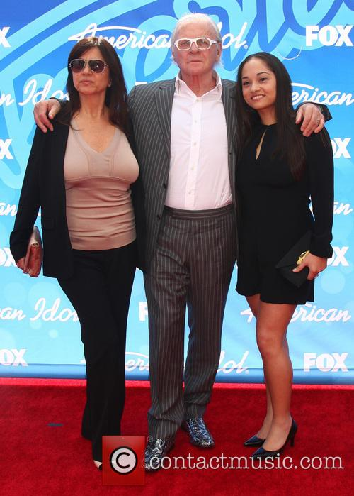 Stella Arroyave, Anthony Hopkins and Niece 2