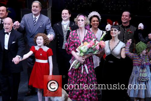 Anthony Warlow, Lilla Crawford, Sunny, Jane Lynch and Brynn O'malley 4