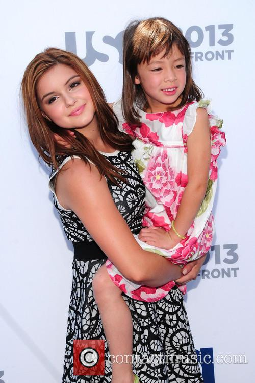 Aubrey Anderson-emmons and Ariel Winter 2