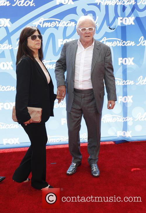 Stella Arroyave and Anthony Hopkins 3