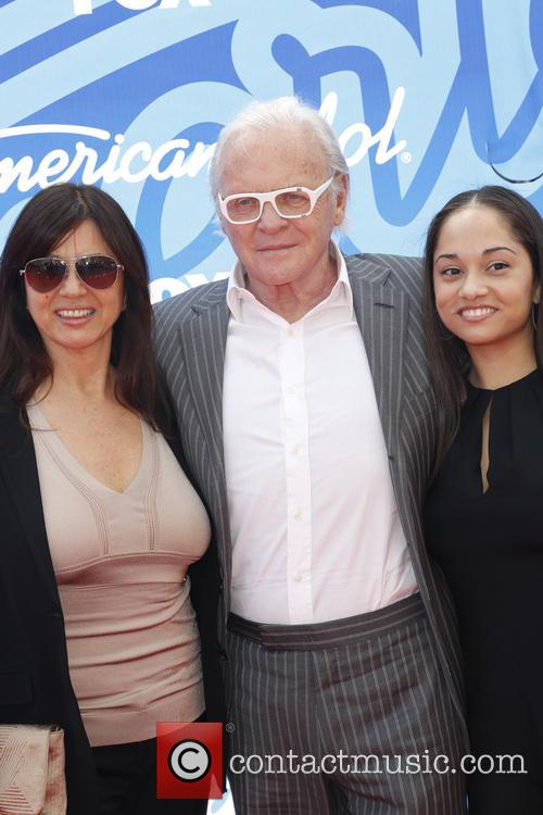 Stella Arroyave, Anthony Hopkins and Niece 4