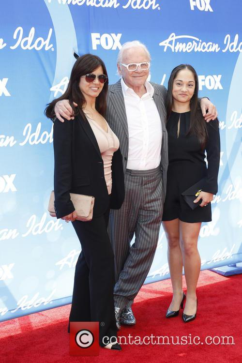 Stella Arroyave, Anthony Hopkins and Niece 5