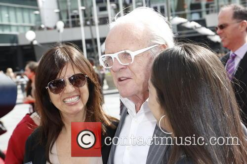 Stella Arroyave, Anthony Hopkins and Niece 7