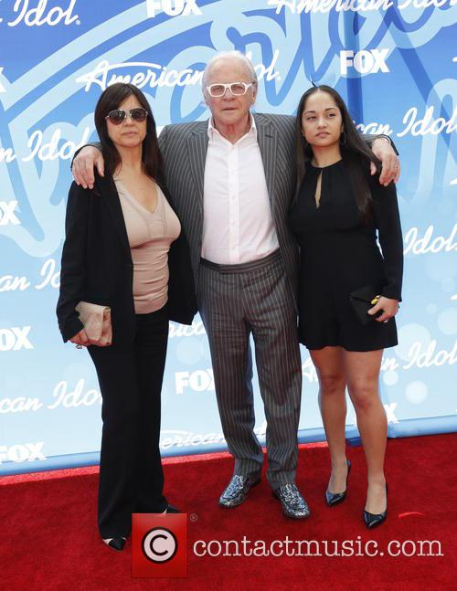 Stella Arroyave, Anthony Hopkins and Niece 8