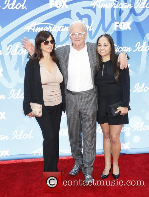 Stella Arroyave, Anthony Hopkins and Niece 9