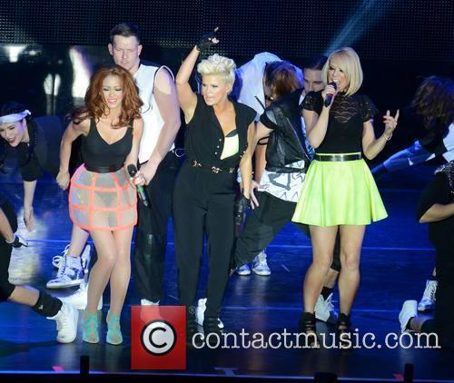 Natasha Hamilton, Kerry Katona and Liz Mcclarnon (atomic Kitten) 4