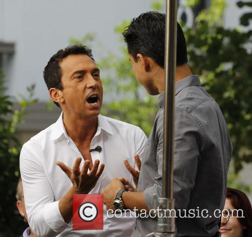 Bruno Tonioli and Mario Lopez 4