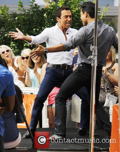 Bruno Tonioli and Mario Lopez 9
