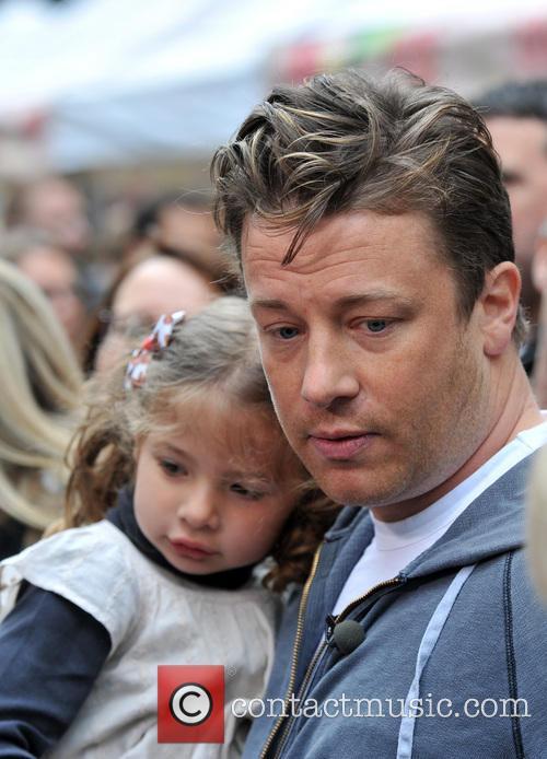 Jamie Oliver and Petal Oliver 9