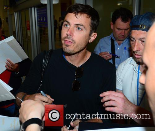 casey affleck celebrities arrive at nice airport 3670415