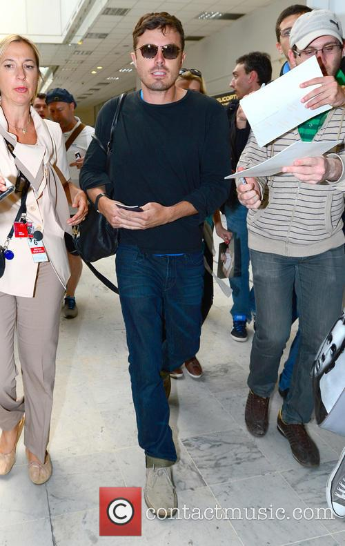 casey affleck celebrities arrive at nice airport 3670446