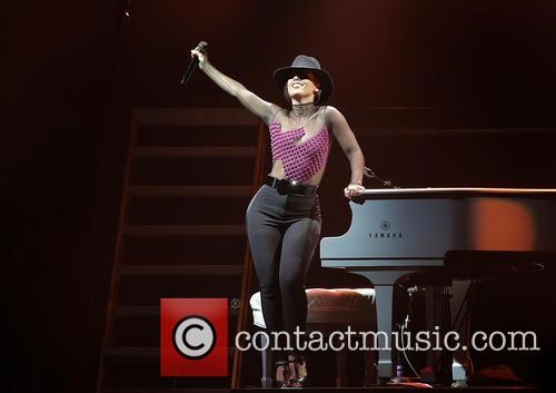 Alicia Keys 26