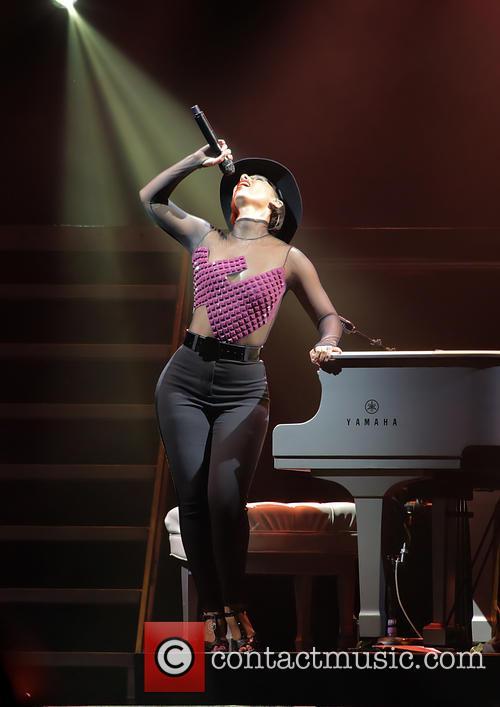 Alicia Keys 33