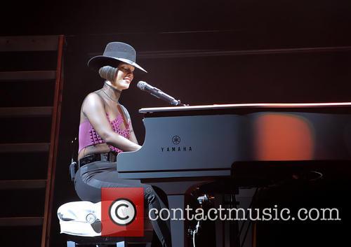 Alicia Keys 34